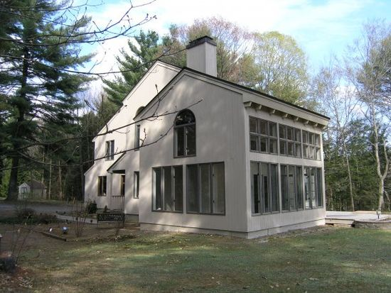 130 River Rd, Claremont, NH 03743
