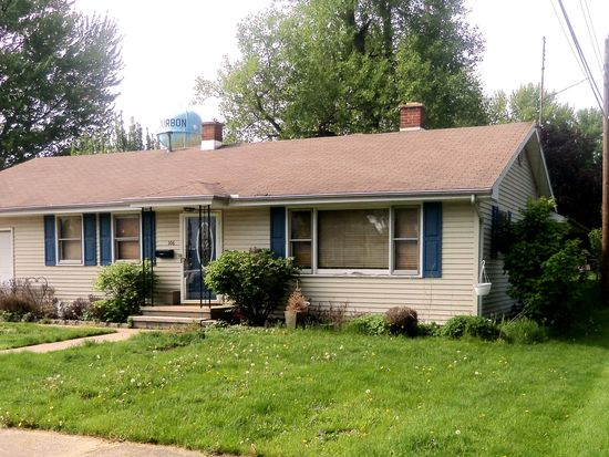 106 W Liberty Ave, Bourbon, IN 46504