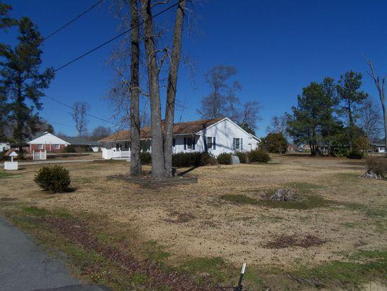 305 Roanoke Ave, Plymouth, NC 27962