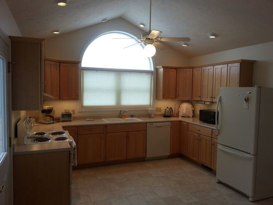 526 Lissaaron Dr, Winchester, IN 47394