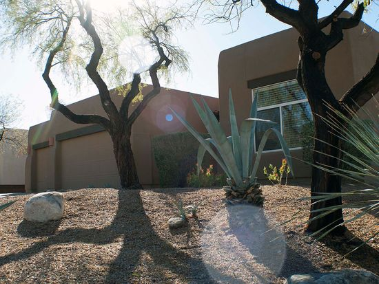 404 E Covered Wagon Dr, Tucson, AZ 85704