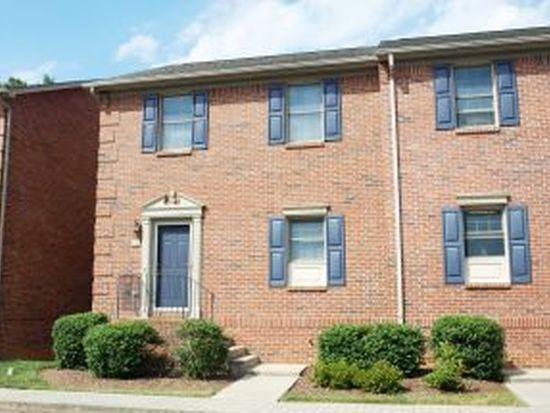 46 Oak Leaf Cir, Johnson City, TN 37601