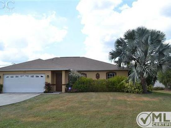 106 Blackstone Dr, Fort Myers, FL 33913