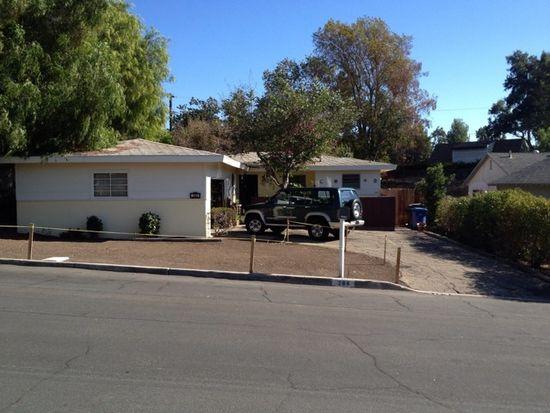 284 Almon Dr, Thousand Oaks, CA 91362