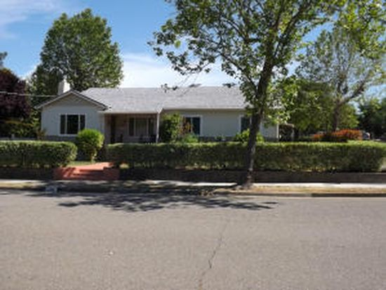 2461 North St, Redding, CA 96001