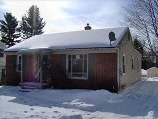 1642 Shangrai La Dr SE, Grand Rapids, MI 49508