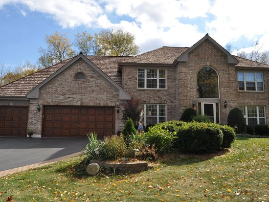 4613 Amy Dr, Crystal Lake, IL 60014