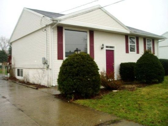 176 W Parkway Dr, Madison, OH 44057