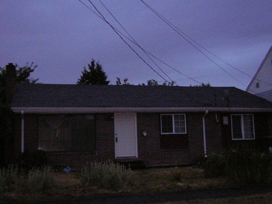 8132 22nd Ave SW, Seattle, WA 98106