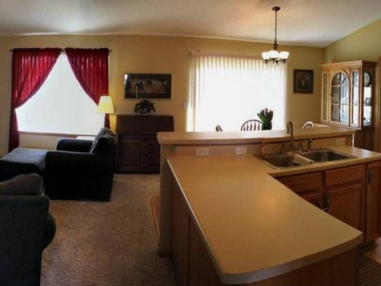 817 Moose Dr NW, Cedar Rapids, IA 52405