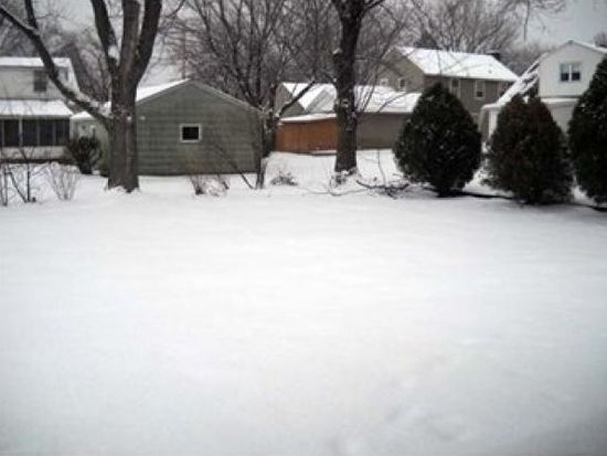 637 Crotty Dr, Erie, PA 16511