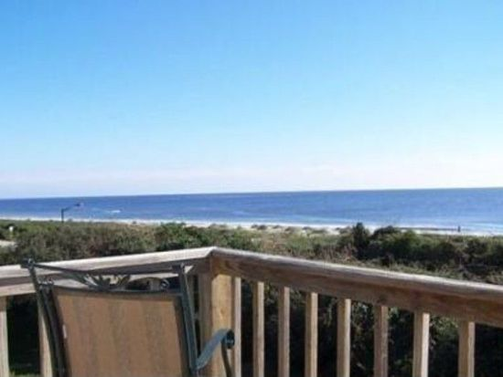 12 Ocean Ct, Caswell Beach, NC 28465