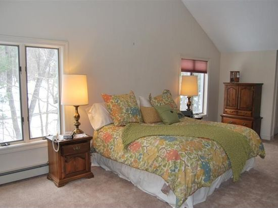 6 Oriole Rd, Windham, NH 03087