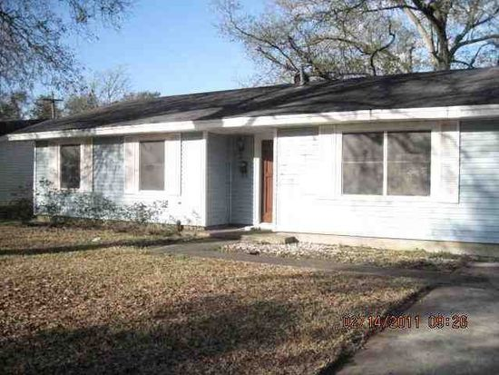 310 Enfield Ln, Beaumont, TX 77707