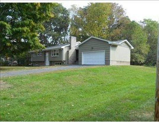 382 Old Post Rd, North Attleboro, MA 02760