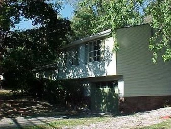 5871 Irishtown Rd, Bethel Park, PA 15102