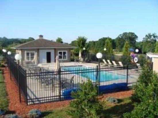 207 Retreat Ln, Huddleston, VA 24104