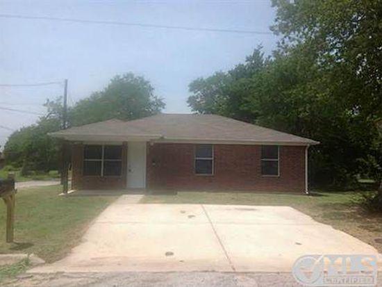 1021 Mill St, Gainesville, TX 76240