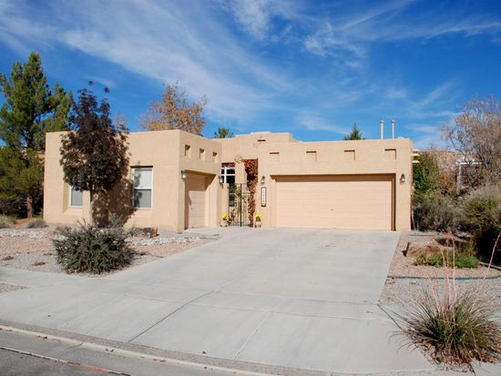10904 Catamount Dr NW, Albuquerque, NM 87114