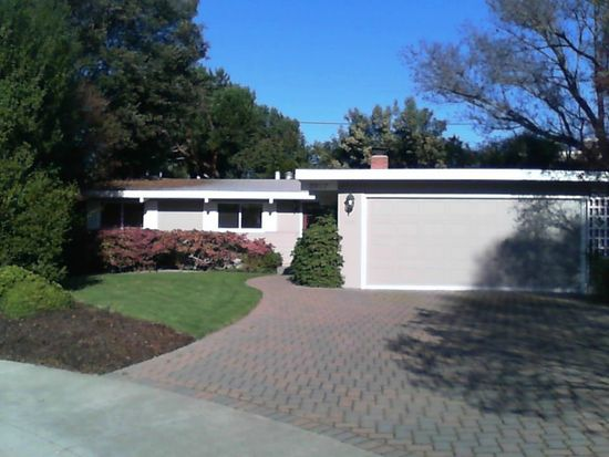 3907 Bibbits Dr, Palo Alto, CA 94303