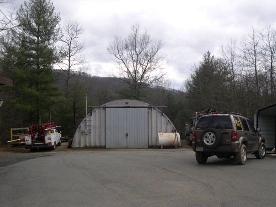 600 Pine Run Ridge Rd, Spruce Pine, NC