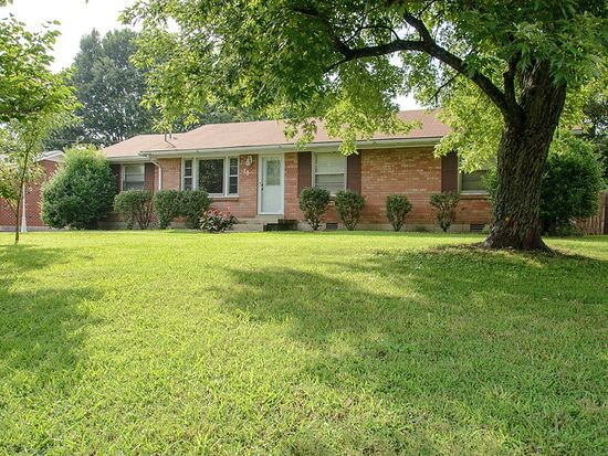 106 Newport Dr, Old Hickory, TN 37138