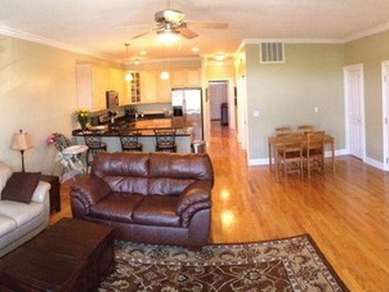 1807 W Addison St APT 3E, Chicago, IL 60613