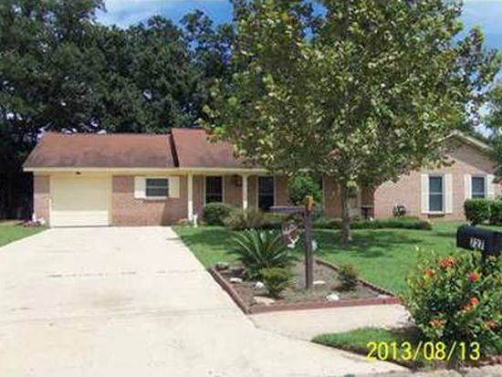 727 Sharon Hills Dr, Biloxi, MS 39532