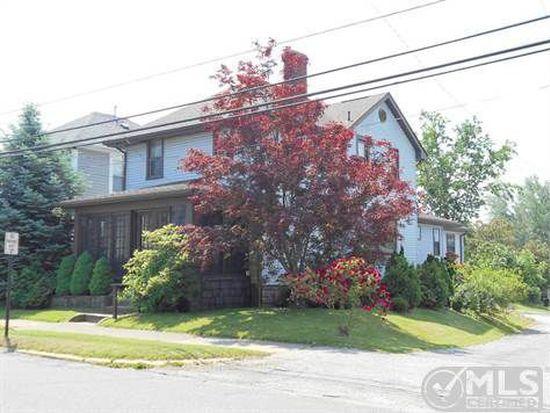 1703 4th St, Moundsville, WV 26041