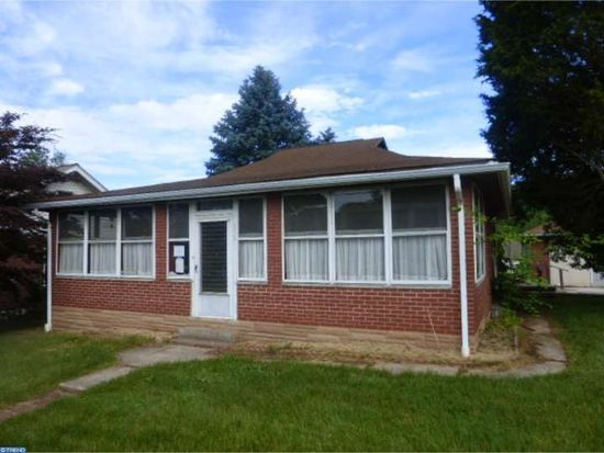 222 2nd Ave, Mont Clare, PA 19453