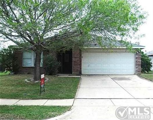 8612 Swan Park Dr, Denton, TX 76210
