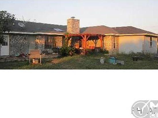 573 Whispering Oaks Dr, Copperas Cove, TX 76522