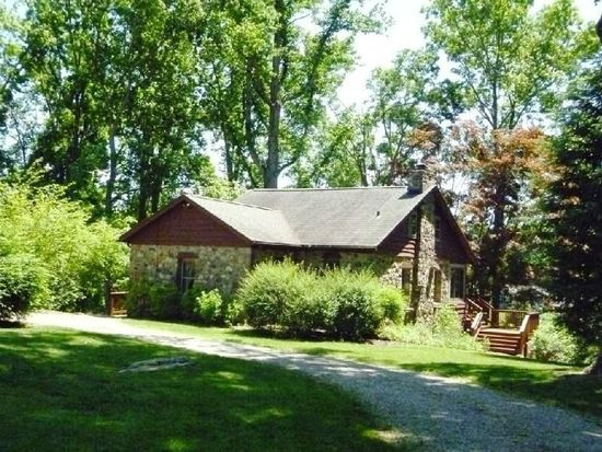 16 Clearview Dr, Ridgefield, CT 06877