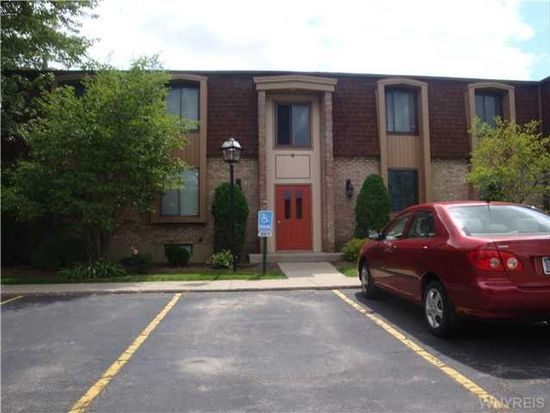 25 Greenwich Dr APT 2, Amherst, NY 14228