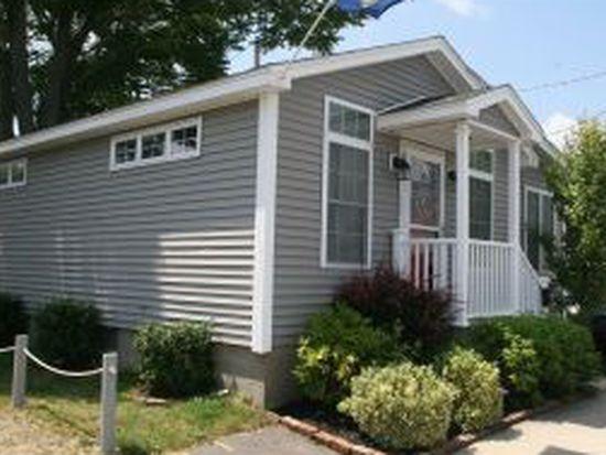 37 Highland Ave, Hampton, NH 03842