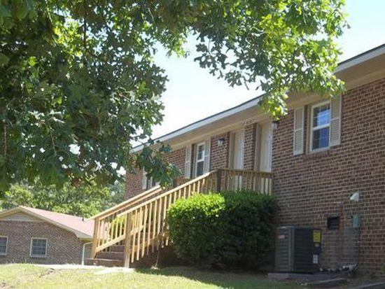 20A Oakdale Dr, Spring Lake, NC 28390