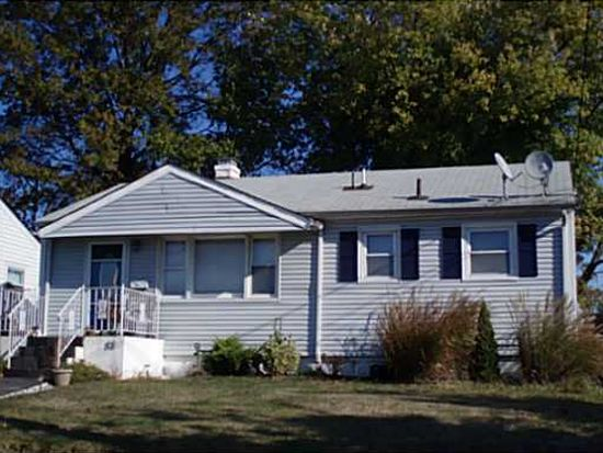 82 Harned Ave, Hopelawn, NJ 08861