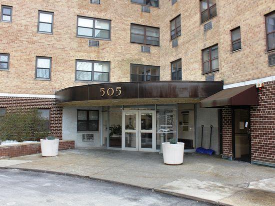 505 Central Park Ave APT 301, White Plains, NY 10606