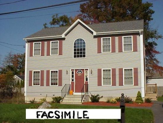 89 Middle Rd, Acushnet, MA 02743