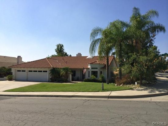 7616 Canyon Oak Dr, Highland, CA 92346
