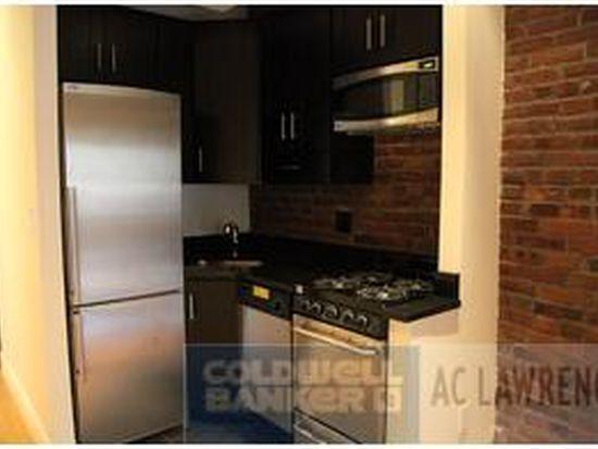 323 W 16TH St, New York, NY 10011