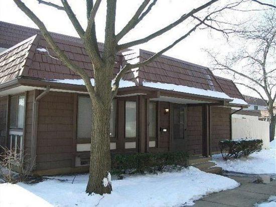 5521 Carmel Dr, Hanover Park, IL 60133