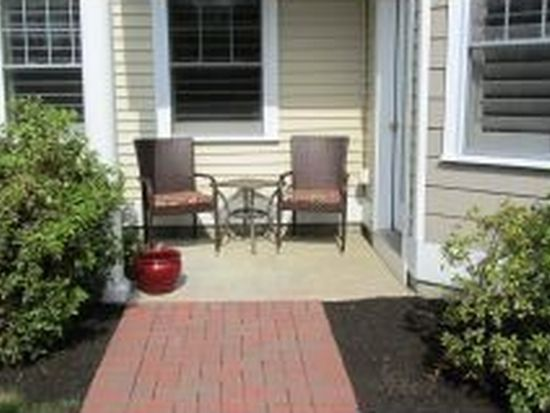 4 Sterling Hill Ln APT 411, Exeter, NH 03833