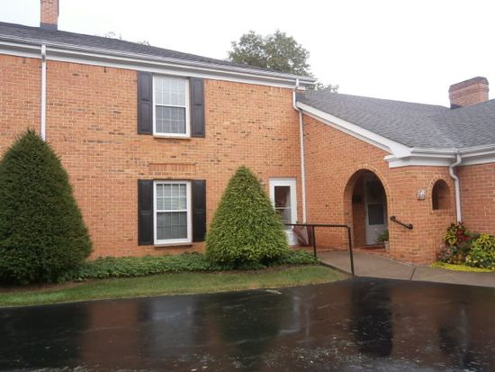 2610 Center Dr APT 5, Bluefield, WV 24701