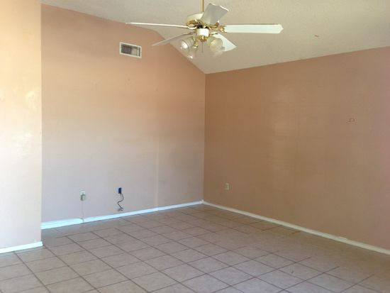 921 Prancer Rd, Laredo, TX 78045