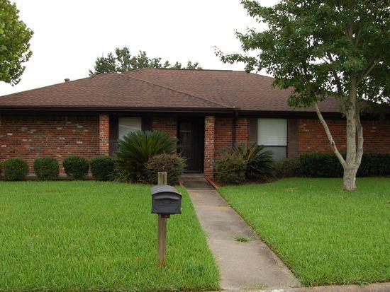8240 Killian Ln, Beaumont, TX 77706