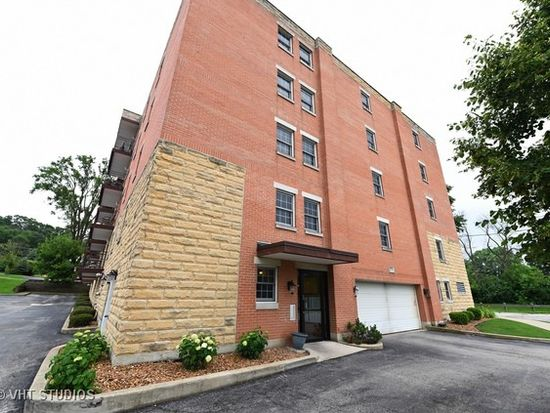 8733 Willow Blvd APT 1F, Willow Springs, IL 60480