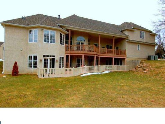 8 Arbordale Ln, Broomall, PA 19008