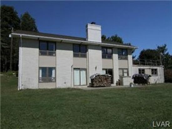 3864 Cedar Dr, Walnutport, PA 18088