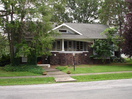 210 N Pearl St, Mc Leansboro, IL 62859
